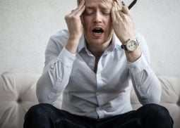 Zestresowany pracownik